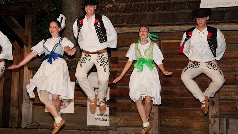 Mezinárodní festival slovenského folklóru opět v Rožnově pod Radhoštěm