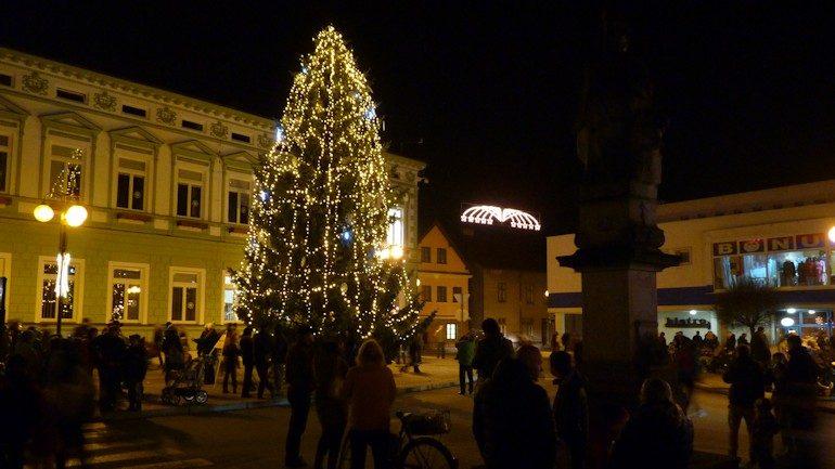 Vánoční stromeček se rozzáří již tento pátek v Rožnově pod Radhoštěm